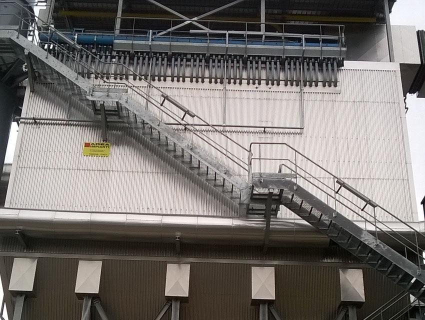 Filtračný systém so schodiskom